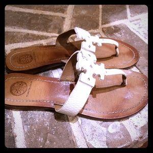 Tory Burch Shoes - Tory Burch Moore Flat Thong Sandal